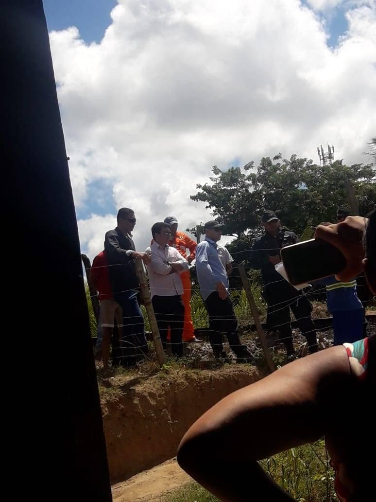 policiais e agentes enviados pela Secretaria de Segurança Pública de Carmópolis foram cumprir um mandado judicial de reintegração de posse em Carmópolis