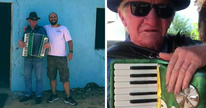 Professor paulistano viaja até Ceará para realizar sonho de idoso de ter uma sanfona