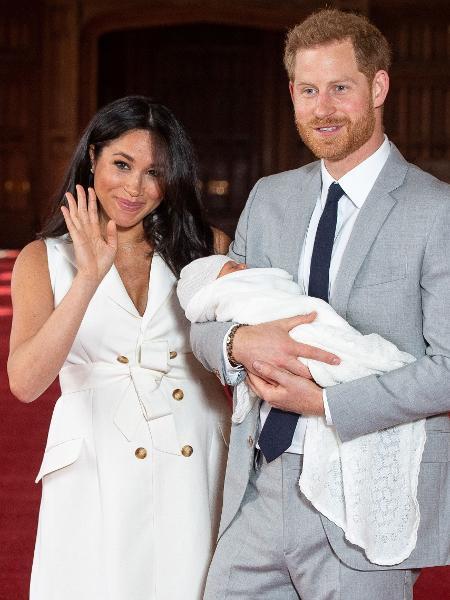 Harry e Meghan transição Família Real