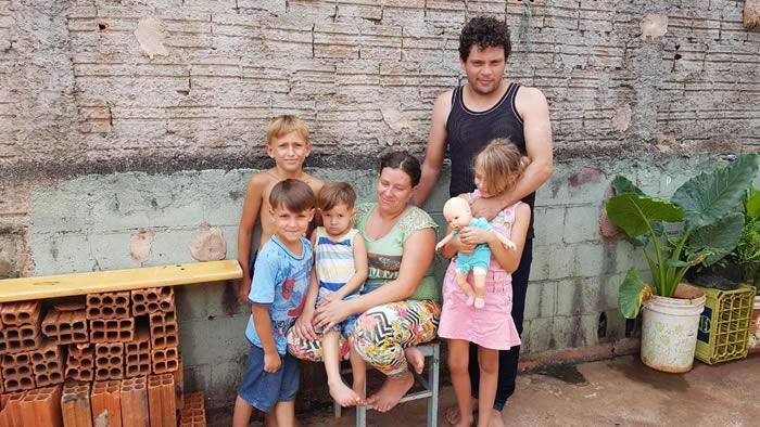 menino que fugiu de casa para juntar latinhas ao lado da família em Londrina (PR)