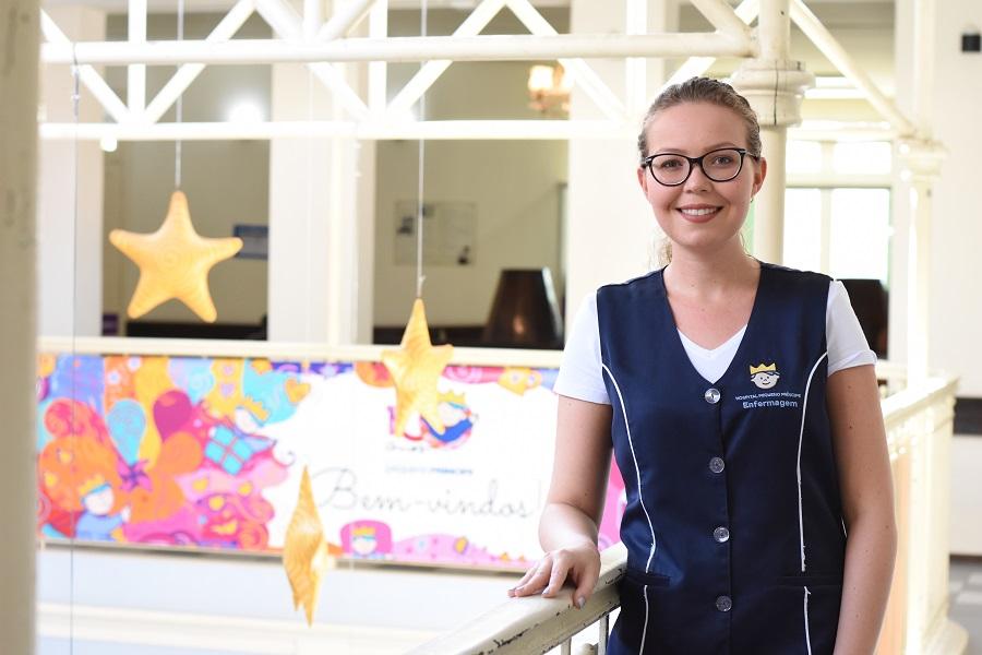 jovem que venceu câncer escolhe enfermagem como profissão