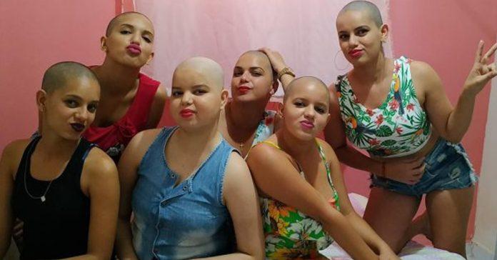 Irmãs, tia e mãe raspam o cabelo para apoiar jovem com câncer 1