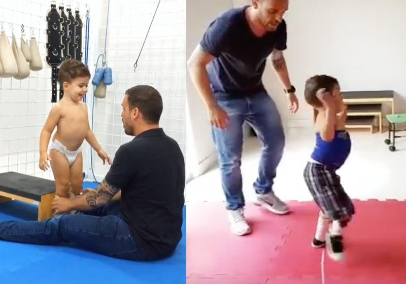Fisioterapeuta tratamento menino com mielomeningocele