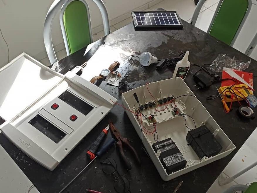 placas solares desenvolvidas por ex-catador de latinhas