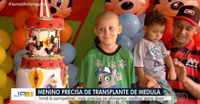 amigos festa surpresa menino leucemia passava fome