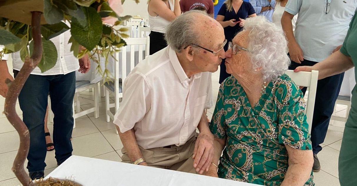 casal celebrou 75 anos casamento