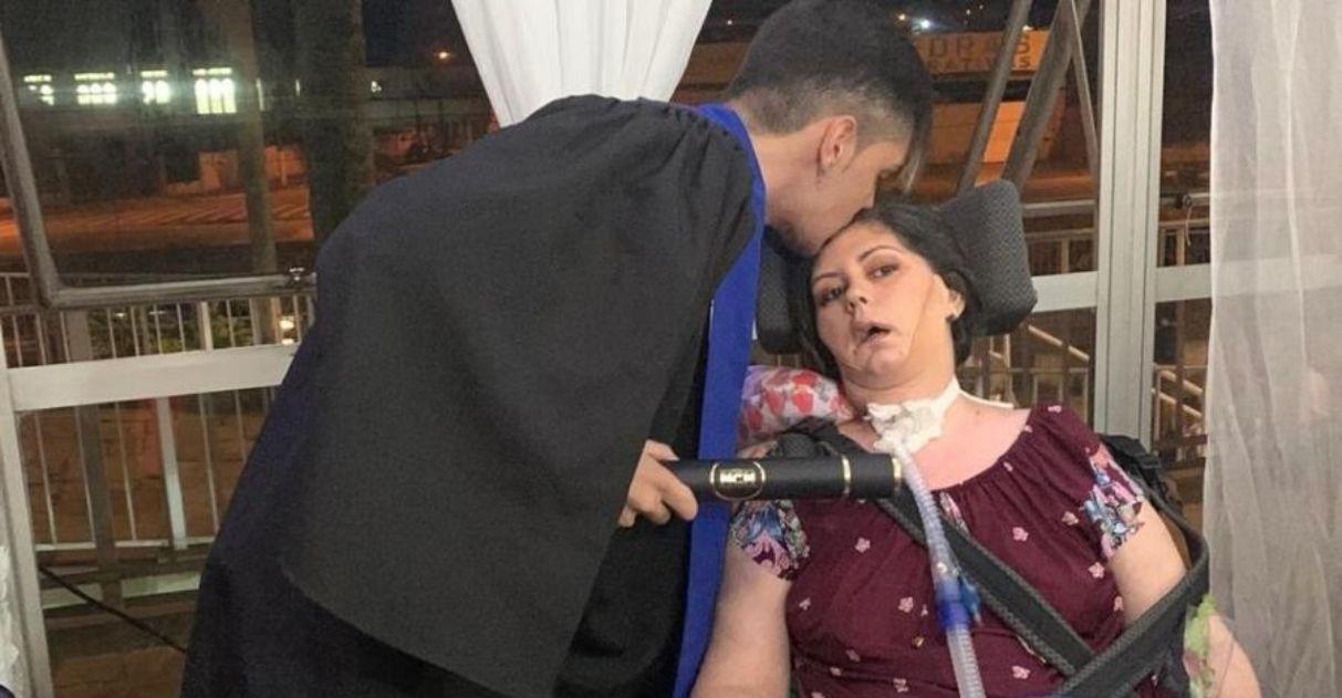 mãe polimiosite deixa hospital assistir formatura filho