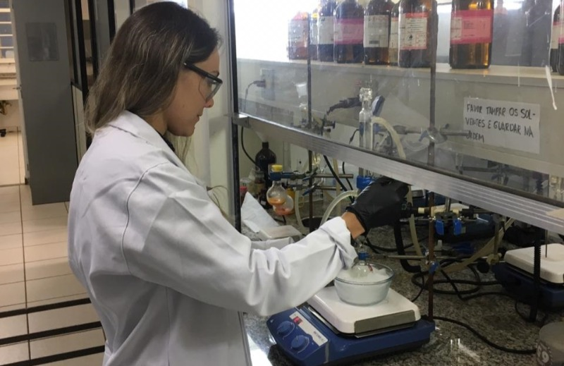 pesquisadora novo tratamento câncer de ovário com metal raro