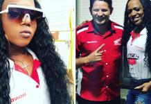 Mulher trans recebe título nacional de melhor vendedora de famosa marca de motos