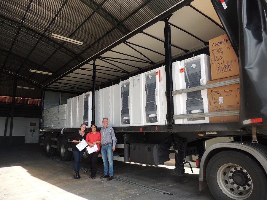 Empresas fazem doação para vítimas enchente Botucatu