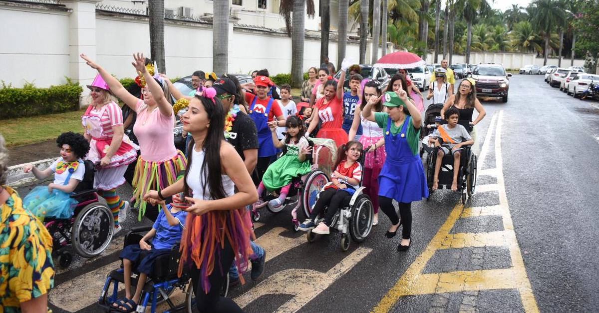 Resultado de imagem para Clínica promove bloquinho de rua para crianças especiais