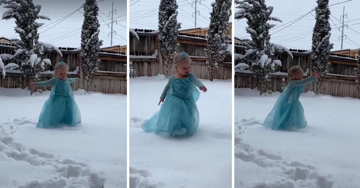 Em vídeo fofo, menina vestida de Elsa canta na neve e viraliza 1
