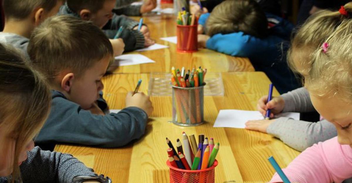 Escola irlandesa troca lições de casa por 'atos de bondade' 3