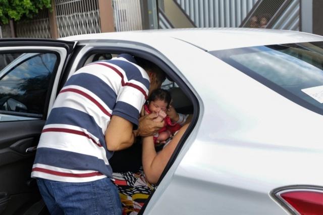 Preocupado com esposa e filha recém-nascida, motorista pede calma em aviso carinhoso 3