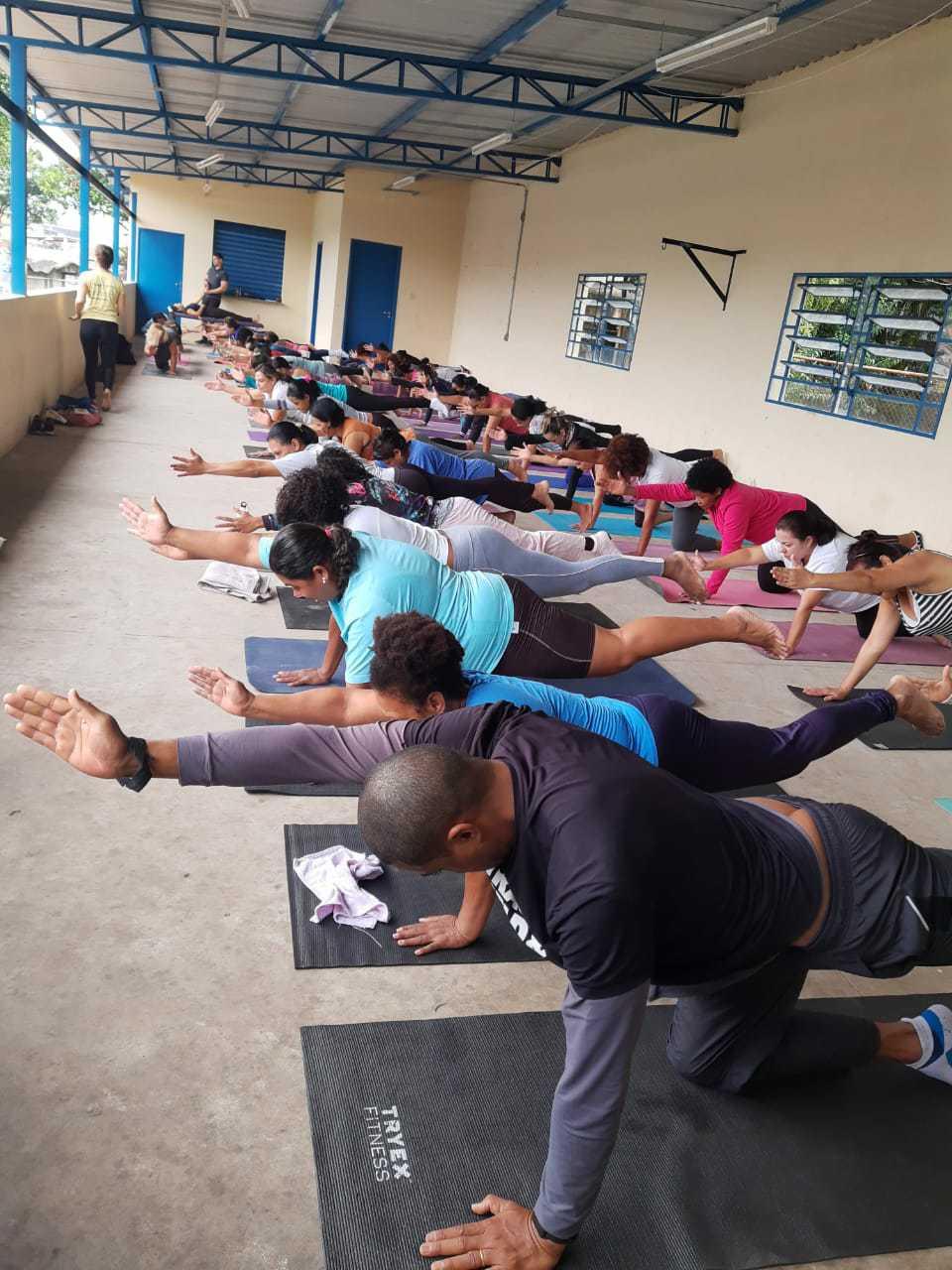 Voluntária leva aulas de Yoga para mulheres da periferia de São Paulo e eleva autoestima 3