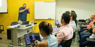 Estudante primeiro surdo defender tese doutorado UFPE