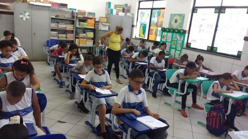 Alunos Salvador Bahia cestas básicas suspensão aulas coronavírus