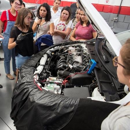 Mecânica cria selo certifica oficinas amigas das mulheres