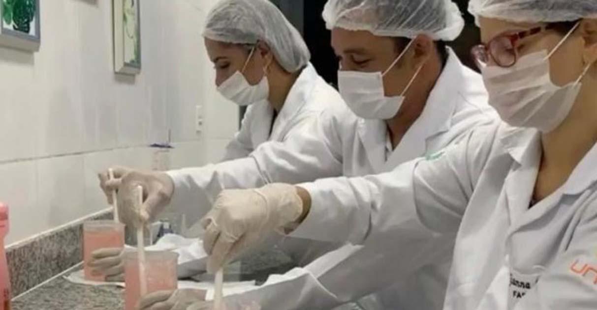 Coronavírus: estudantes de Farmácia produzem álcool gel e distribuem de graça 2