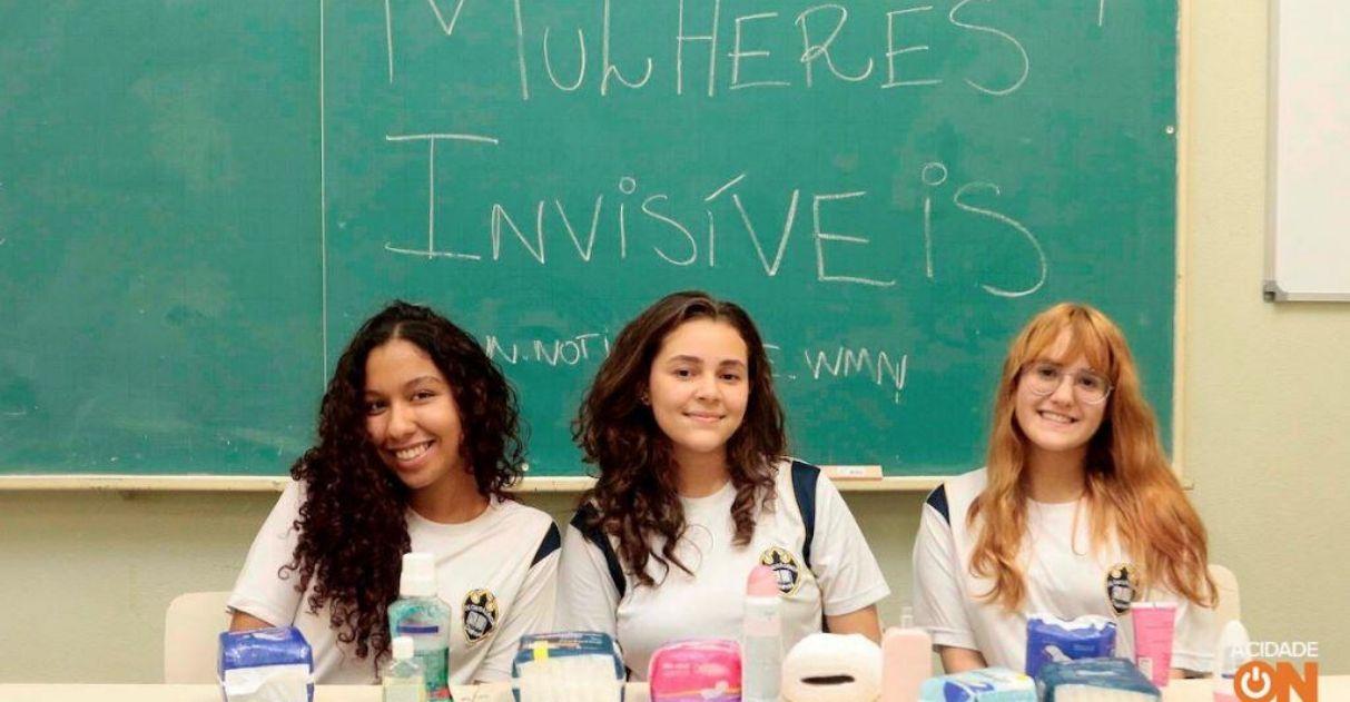 Adolescentes distribuem absorventes para mulheres em situação de rua 1