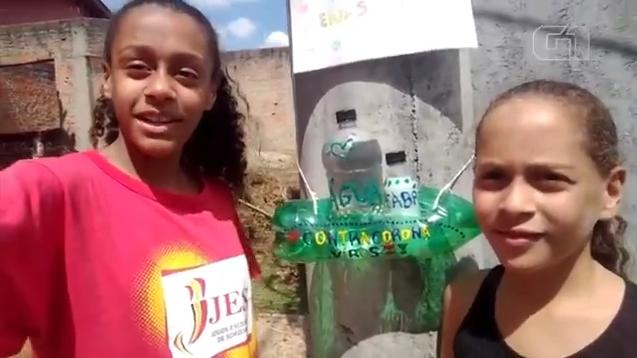 selfie irmãs suporte catadores lavarem mãos