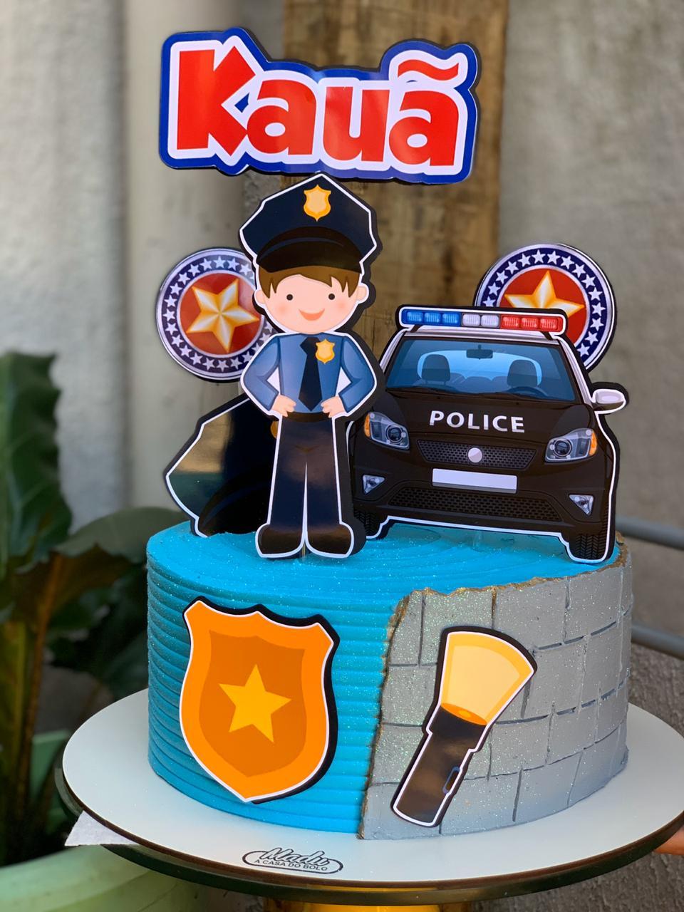 bolo com tema PM para menino Kauã que trabalha para sustentar a família