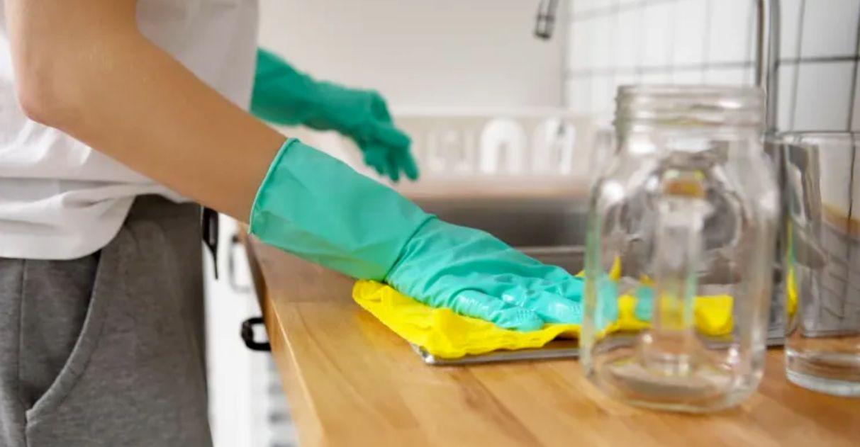 anvisa ensina como substituir álcool 70% por desinfetantes