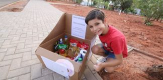 menino cria caixa solidária para ajudar população de rua bauru
