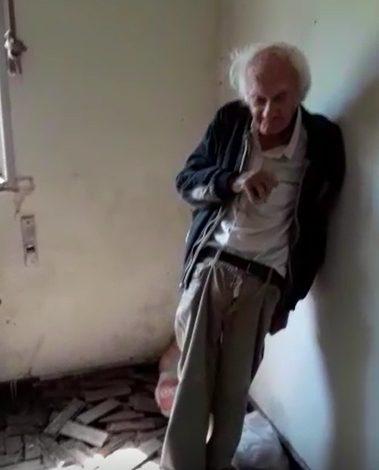 casa de idoso que vive sozinho em situação precária
