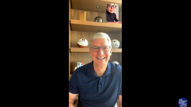 tim cook ceo apple conversando lady gaga