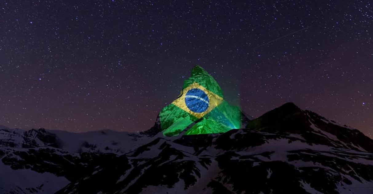Suíça projeta bandeira do Brasil em montanha e deseja força ao país para vencer o coronavírus 2