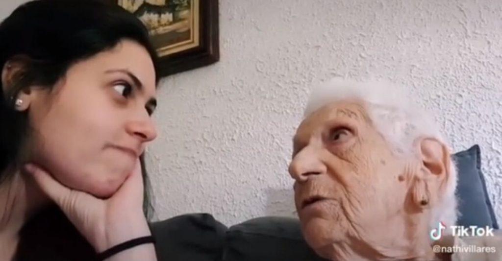 Idosa com Alzheimer fica surpresa ao descobrir sua idade