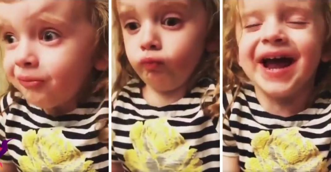 vídeo menina finge gostou macarrão mãe