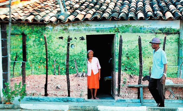 artista adesivos fotografias tamanho real fachadas casas povoado baiano morrinhos