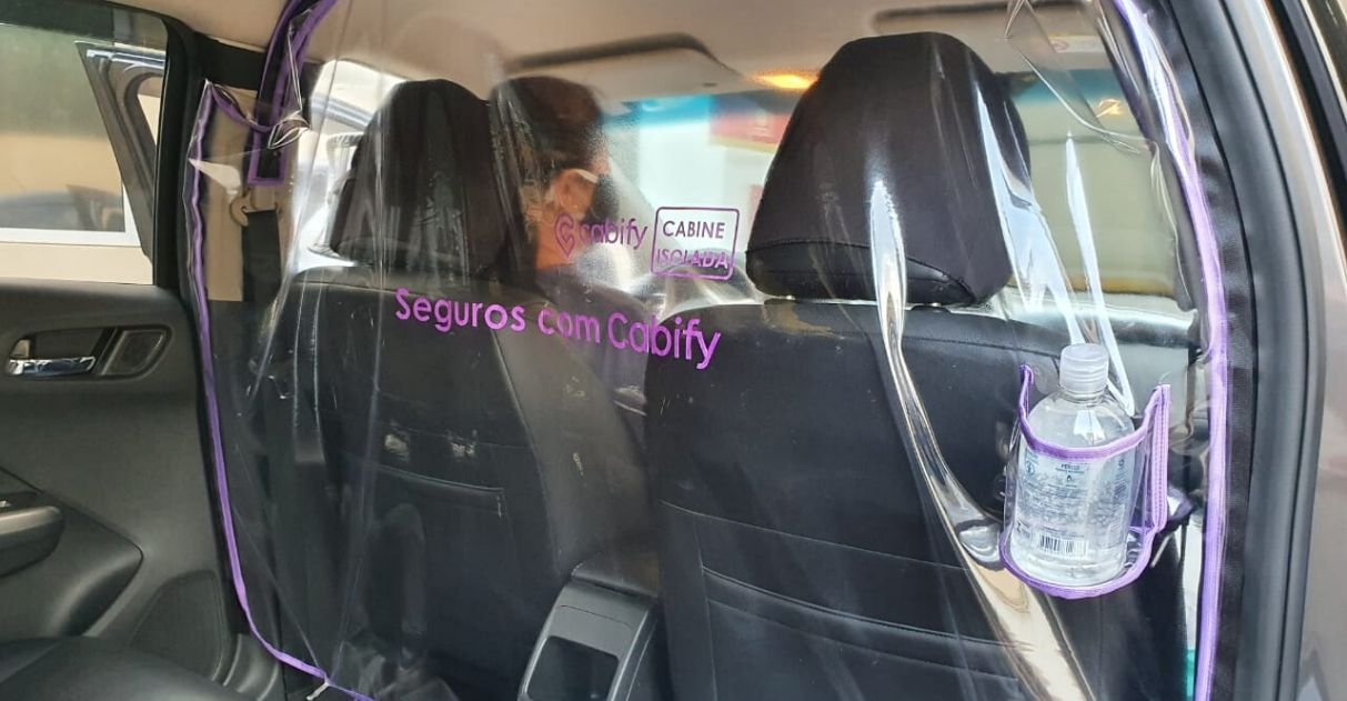 Cabify vai distribuir película de isolamento entre motorista e passageiro 1