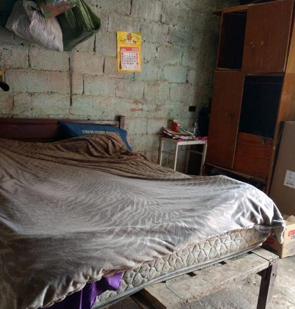 cama casal idosos barraco favela