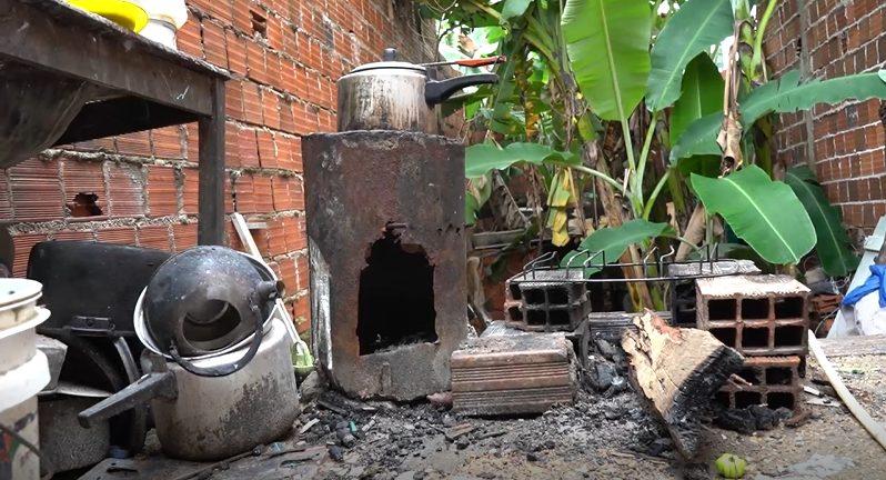 fogão improvisada quintal casa periferia sobral ceará