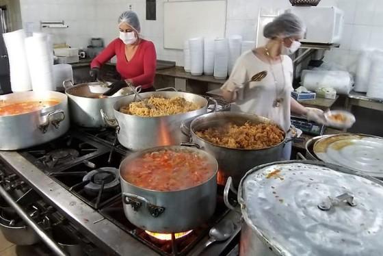 hotel abre cozinha produzir marmitas famílias carentes