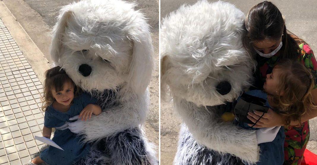 Médico se fantasia de cachorro para abraçar a filha e a esposa grávida em MG 6