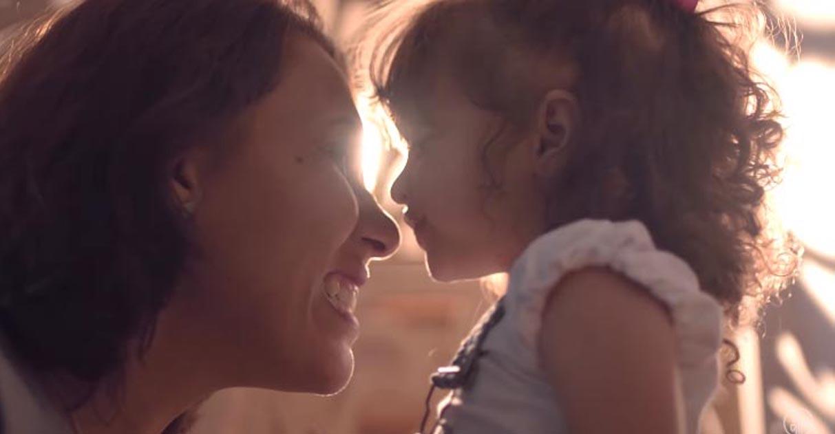 Ela encarou sozinha uma adoção para realizar o sonho de ser mãe 1