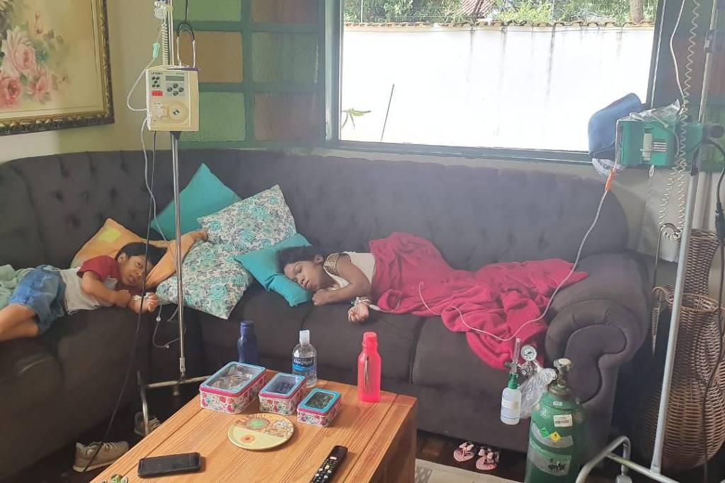 jovens doença rara são atendidos casa pediatra protegidos contra coronavírus