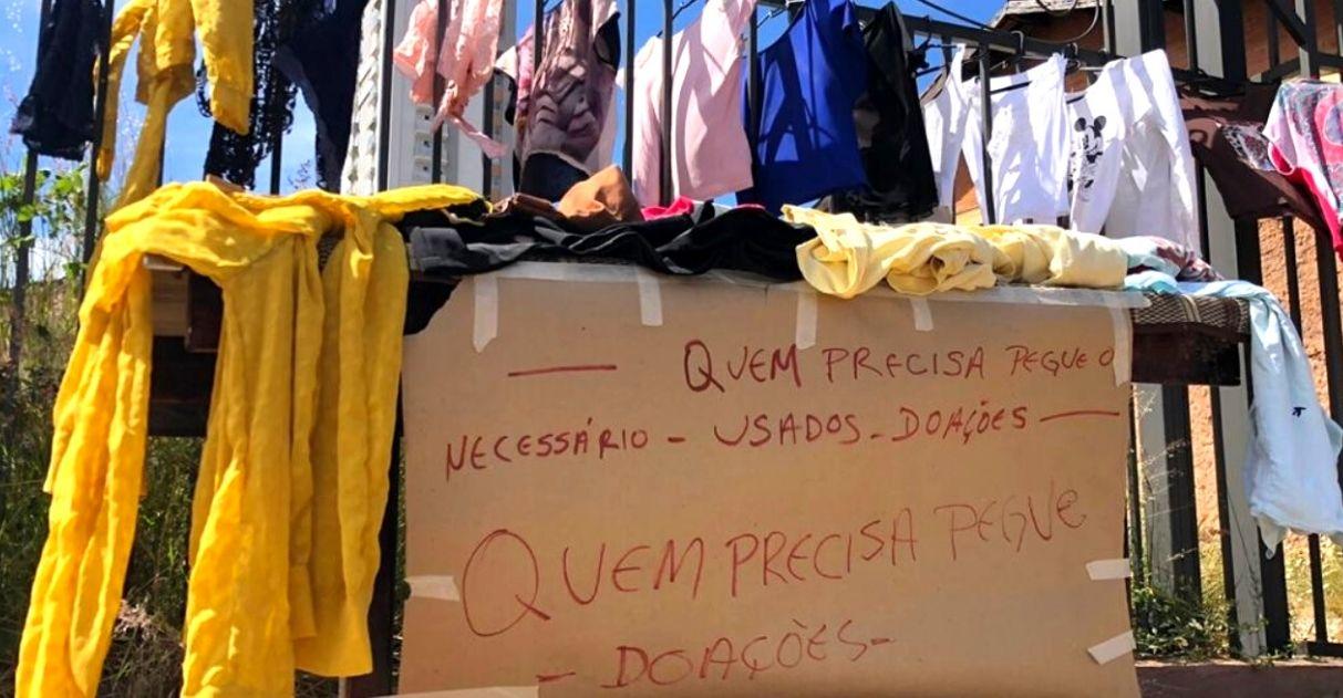 Varal solidário oferece roupas de graça para moradores de rua de Goiânia 2