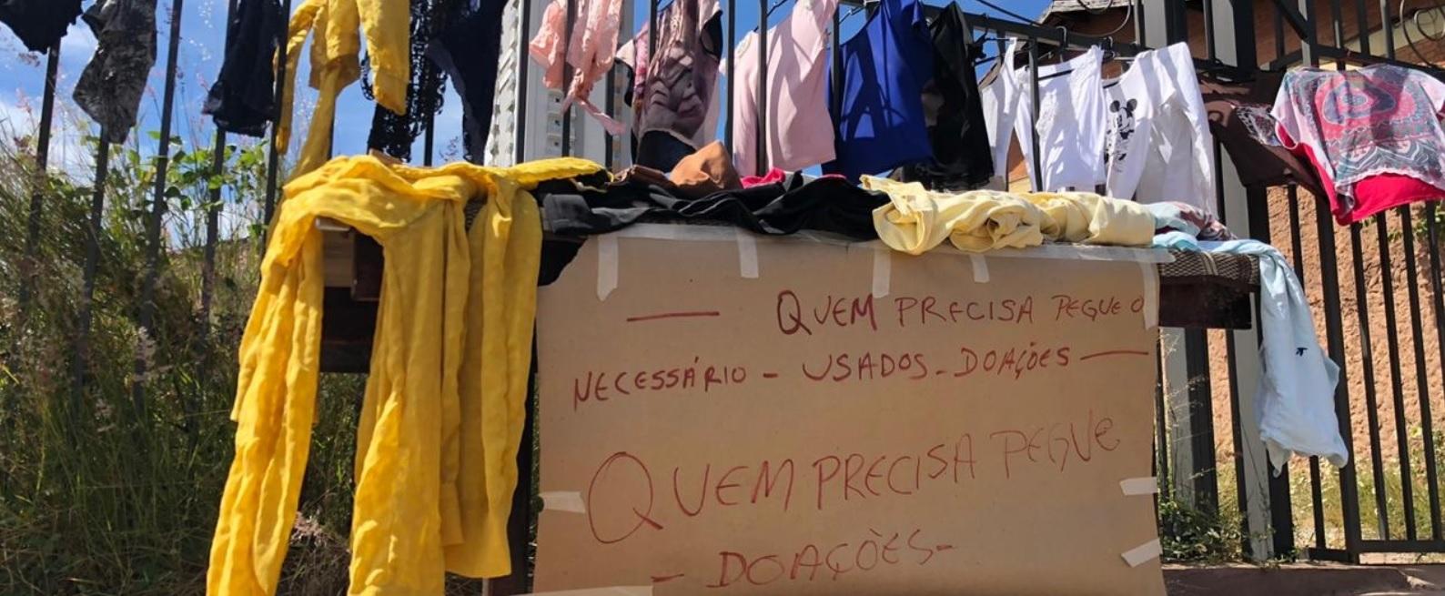 varal solidário roupas doadas moradores rua goiânia