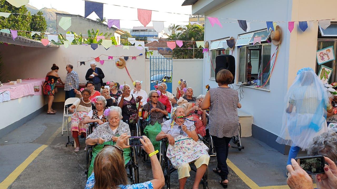 idosas festa junina asilo