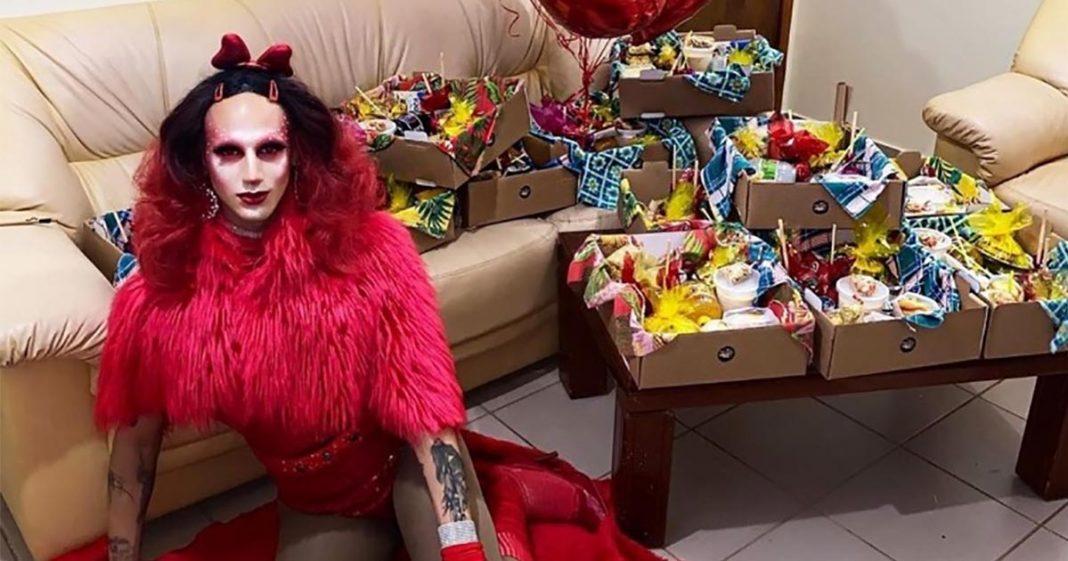 drag queen Carrie Myers se reinventar na pandemia! Ela criou o Drag Delivery, para entrega de cestas de São João