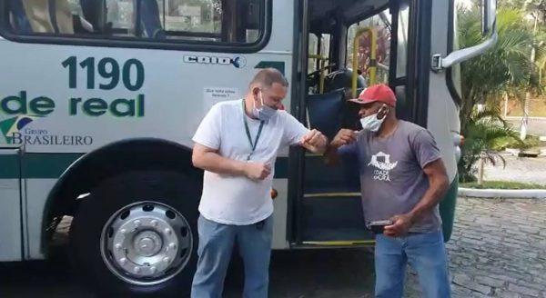 Samuel entrega carteira para Marco Antonio