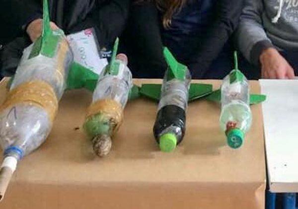 Foguetes de garrafa pet