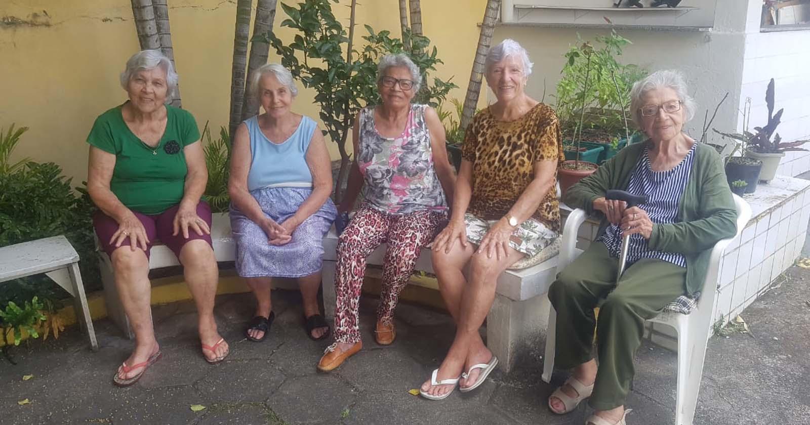 Voluntários fazem mais de 4 mil ligações para lar de idosas em apenas três dias 2
