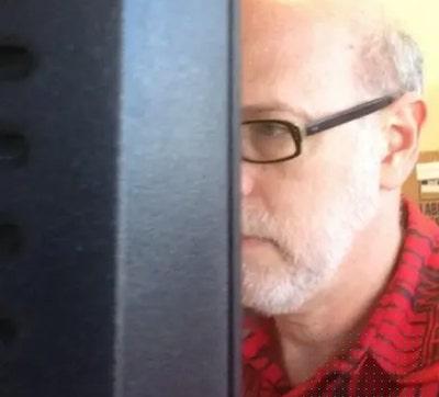 pai de rachel no computador