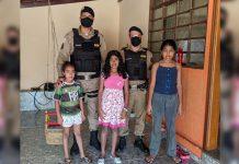 policiais reunidos menina pediu cesta básica